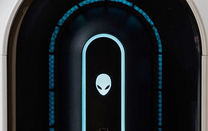 alienware-aurora-r11-review:-savage-rtx-3090-infused-lifeform