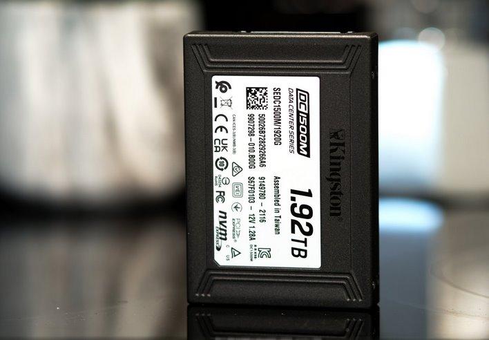 kingston-dc1500m-ssd-review:-high-endurance-nvme-storage